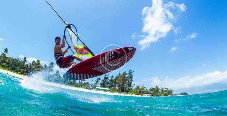 Windsurfing Or Kite Surfing: Which One Should You Choose?